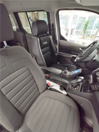 Viking LS-300 Elektrorollstuhl im Auto